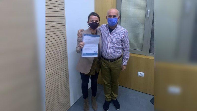 Rudina Hajdari mposht koronavirusin, shfaqet në foto me doktor Piperon