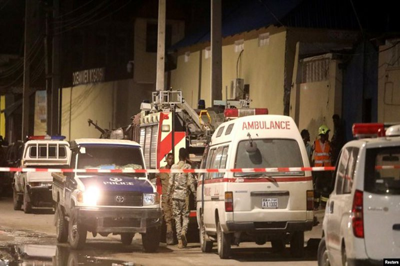 Sulmi vetvrasës në restorant shakton pesë viktima dhe mbi 19