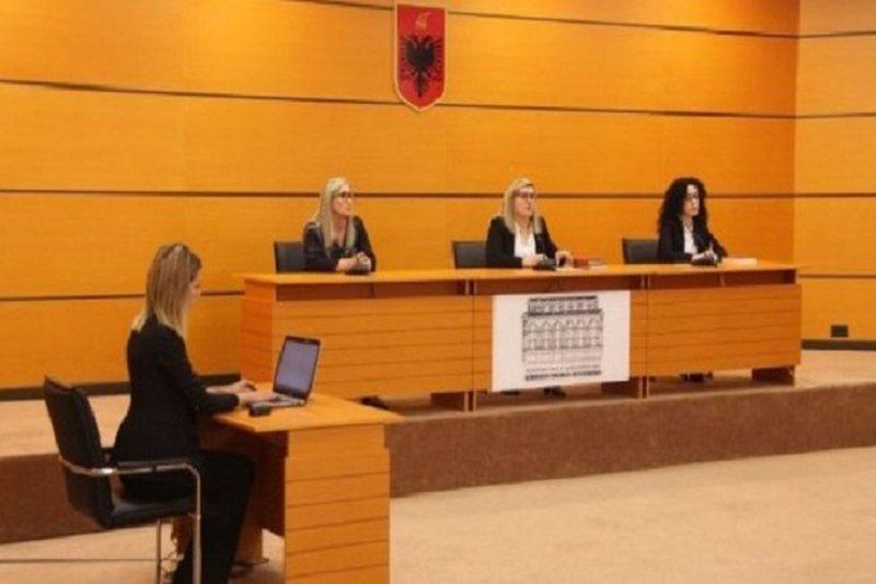 Vetting/ Konfirmohet në detyrë drejtuesja e Prokurorisë së