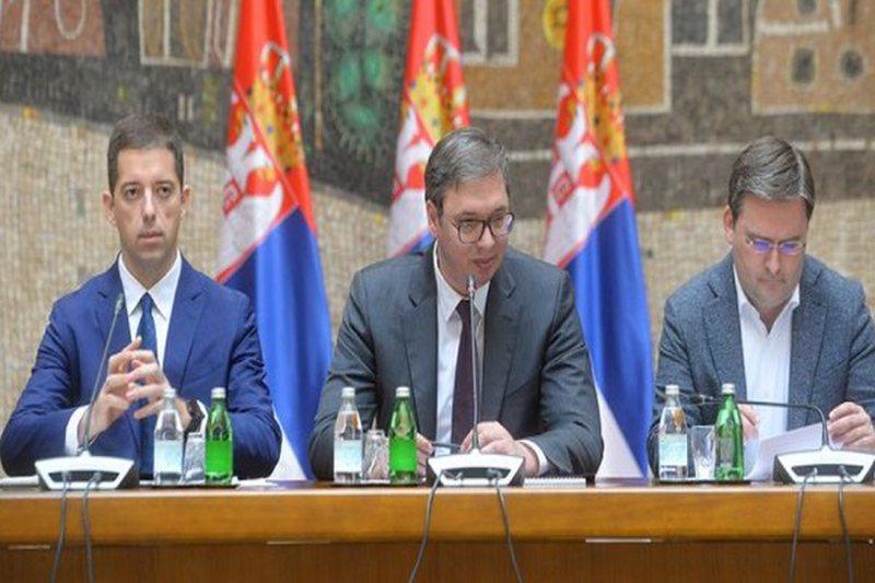 Lista Serbe mbështet Vuçiç: Reagimet nga Kosova skizofrenike