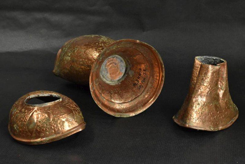 Zbulim i rrallë në Sllovaki, gjenden kupat e arta me mbishkrimin