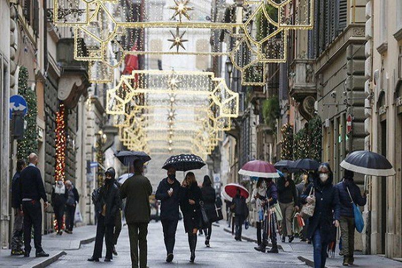 """Festa """"izoluara"""" në Itali, qeveria miraton masa të ashpra"""