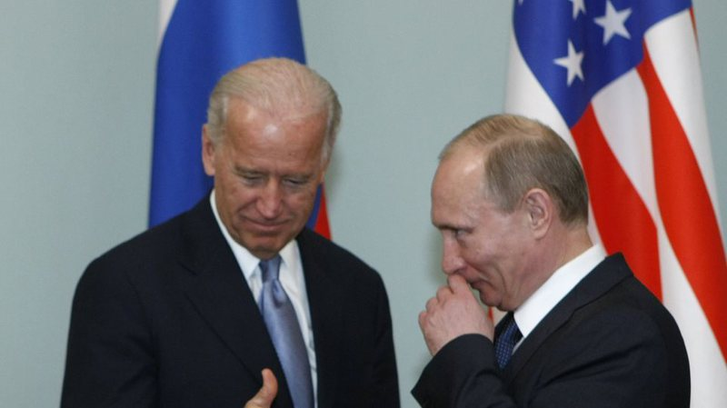 Biden telefonon Putin, zbulohet çfarë u diskutua mes tyre