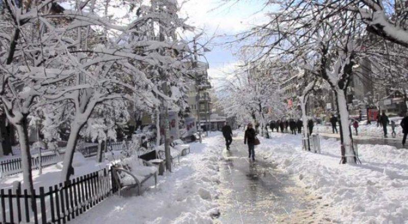 """""""Filomena"""" mbërthen Shqipërinë/ Acar dhe temperatura"""