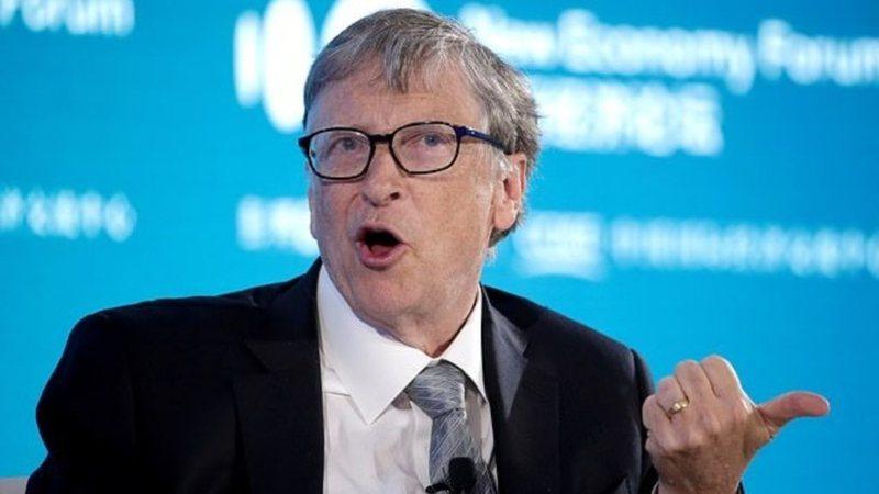 """""""Kërkon t'i fusë njerëzve çip"""", Bill Gates"""
