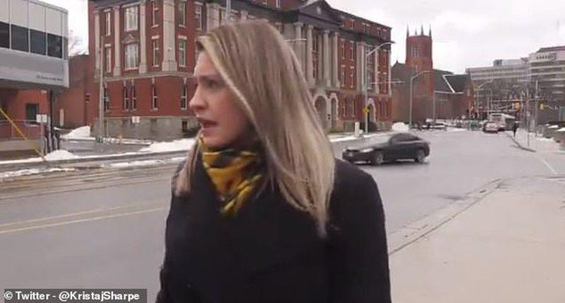 Gazetarja mbetet pa fjalë nga fyerja në transmetimin live: Do të