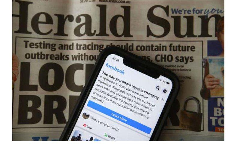 """Facebook """"bllokon"""" Australinë, miliona përdoruesve ju"""
