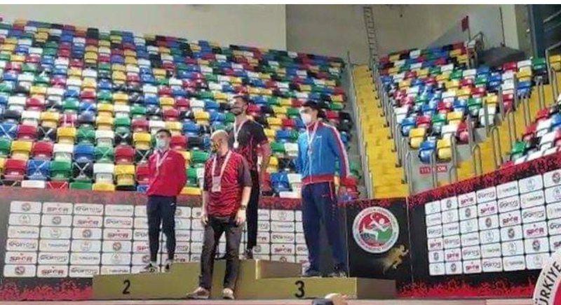Sportisti shqiptar shpallet kampion i Ballkanit