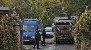 Vazhdon aksioni i policisë në Zveçan, situata mbetet e