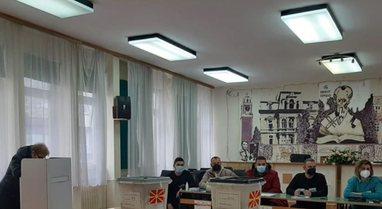 Përfundon procesi i votimit në Maqedoninë e Veriut,