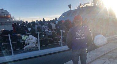 Anija me emigrantë fundoset në Mesdhe, raportohen 8 të vdekur dhe