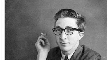 """John Updike/ """"Kronikë në gur"""", një roman"""