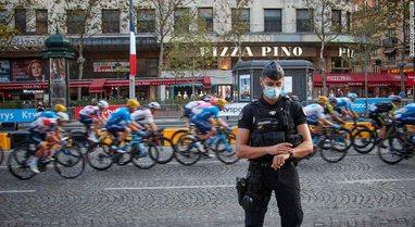 Edhe Franca bën të detyrueshme vaksinimin për hyrjen në