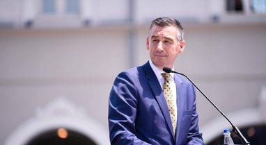 Kadri Veseli kthehet në Kosovë, u lirua nga Haga për të