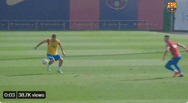 """VIDEO/ Manaj realizon gol """"alla Mesi"""" në stërvitje,"""