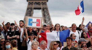Europa e mbërthyer nga protestat kundër vaksinimit me detyrim, DW