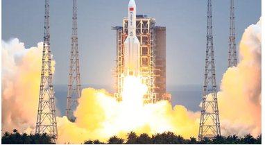 VIDEO/ Alarmoi botën, momenti kur raketa kineze bie në Oqeanin Indian