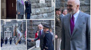 """Himni shqiptar në Akademinë Ushtarake """"West Point"""" në"""