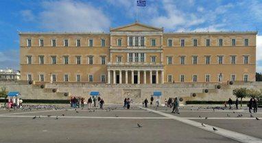 Revista Times: Greqia përgatitet për sezonin turistik, pritet të