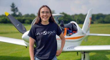 Njihuni me 19-vjeçaren që synon rekordin në një fluturim