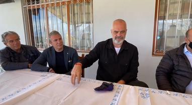 Kryeministri Rama pritet me polifoni labe në Kuç: Shumë shpejt