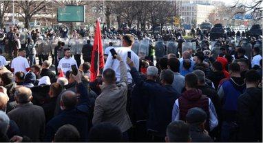 Përshkallëzohen protestat në Maqedoni, plagoset një