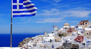 Greqia hap kufijtë për turistët e huaj, por jo për