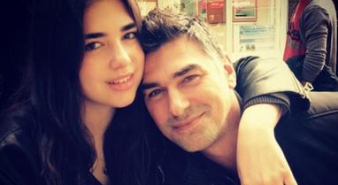 Dua Lipa dhe babai i saj u bëjnë thirrje qytetarëve të