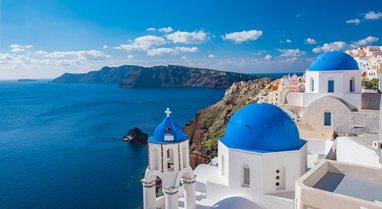 Greqia rihap kufijtë dhe rifillon sezonin turistik