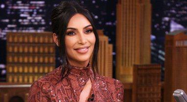 Habit Kim Kardashian, pas ndarjes shkon në koncertin e albumit të