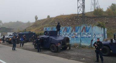 Prag përplasjesh në kufirin Kosovë-Serbi, grupe të