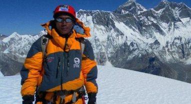 Burri nga Nepali shënon rekordin e radhës, ngjitet për herë