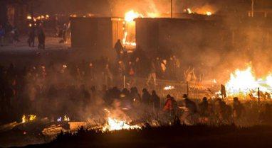 Tragjike/ Zjarr në kampin e refugjatëve në Thiva të