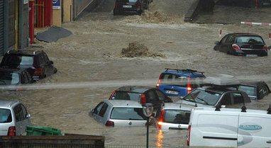 Romë, moti i keq shkakton përmbytje në jug të Italisë