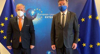 Arrihet marrëveshja në Bruksel, Kosova dhe Serbia i japin fund