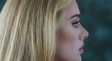 Adele rikthehet fuqishëm pas 6 vitesh mungesë! Publikon
