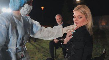 Gazetarja bën vaksinën antiCovid në prani të Ramës: Jam