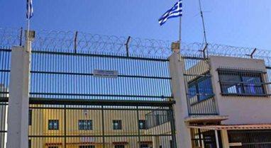 Sherr mes të dënuarve në Greqi/ Shqiptari bën për