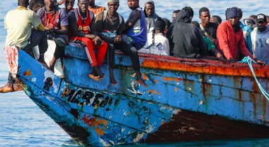Përmbytja e anijes me emigrantë në brigjet e Spanjës, shkon