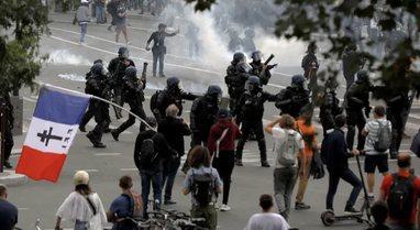 Plasin keq protestat në Francë, qytetarët dalin kundër