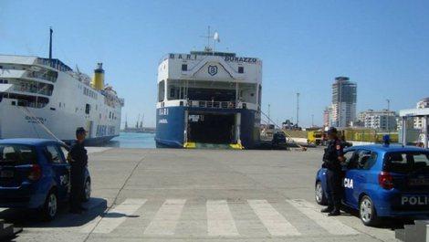 Tentoi të dilte nga Shqipëria përmes Portit të