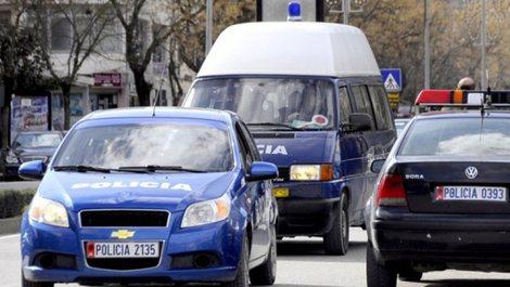 Përplasen dy mjete në Durrës, plagosen katër persona,