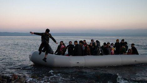 Tragjedi në Egje, mbyten 4 fëmijë nga fundosja e një