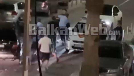 VIDEO/ Në lokal jashtë orarit policor, efektivët dhunojnë