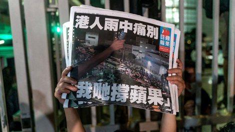 Persekutimi dhe mbyllja e medias demokratike në Hong Kong