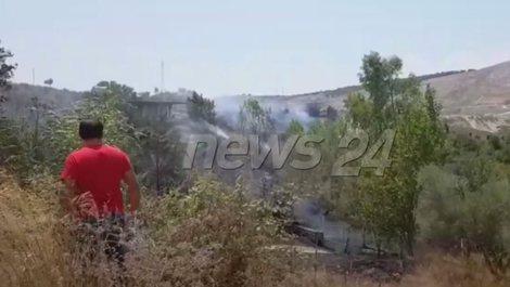Zjarr në kodrat me ullinj në një fshat të Sarandës,