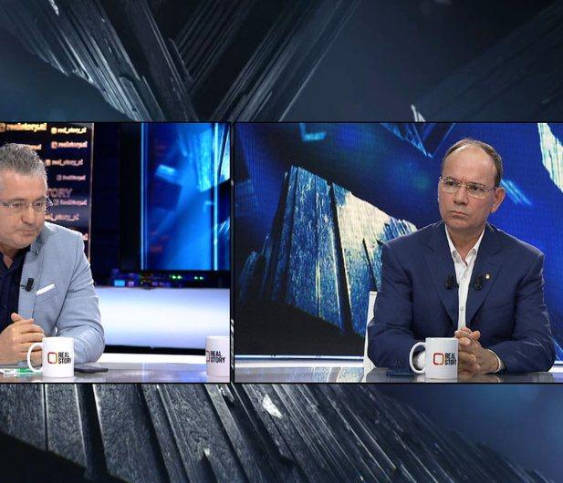 Analisti Skënder Minxhozi: Djegia e mandateve ishte një akt hipokrit