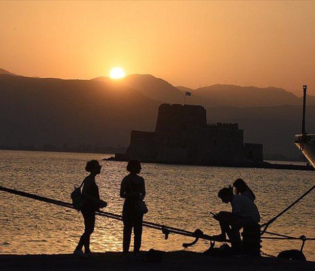 Greqia goditet nga vala e të nxehtit, termometri shkon në 47