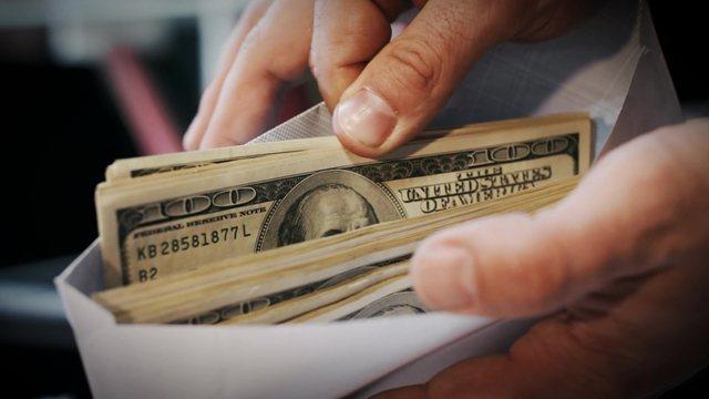 VOA: Shqipëri, pastrimi i parave, ekspertët shqetësim për