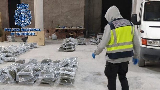 Transportonin drogë nga Spanja në Itali, goditet organizata